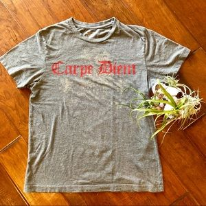 Old Navy Graphic Carpe Diem Short Sleeve Tee Shirt